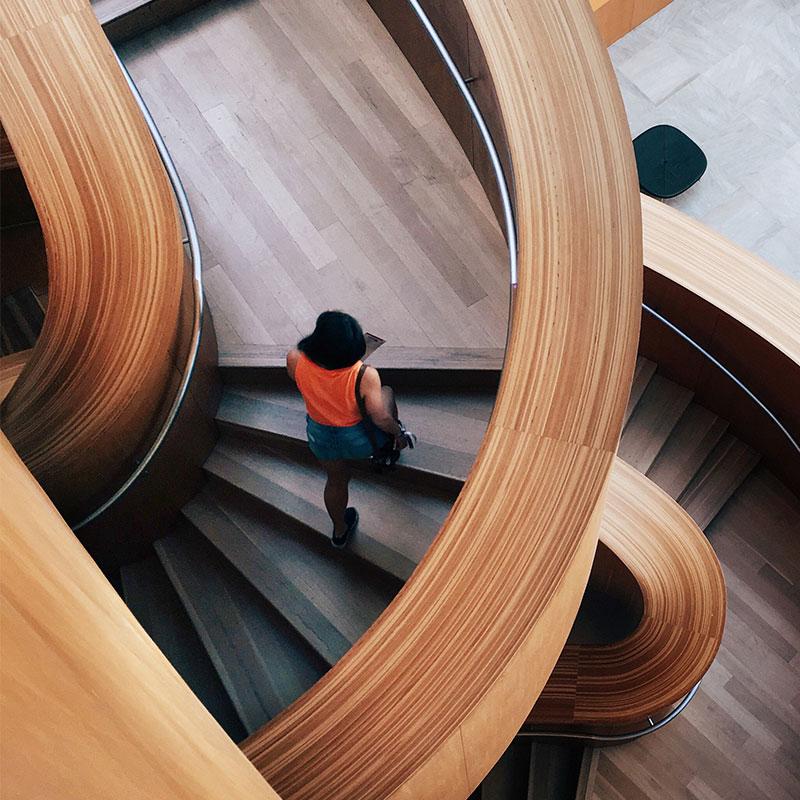Forrado de escaleras con madera Castellón