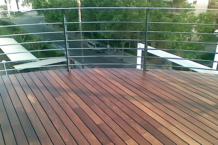Terraza con suelo de madera Castellón