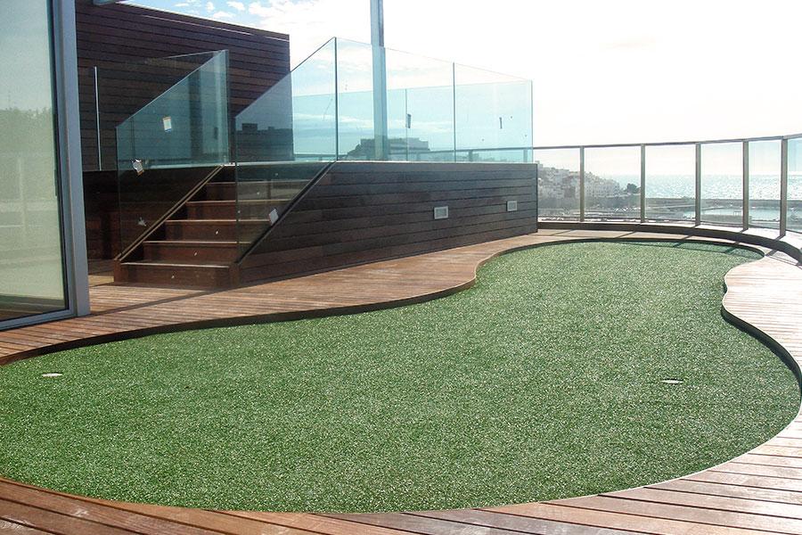 Balcón suelo parquet hotel Peñíscola