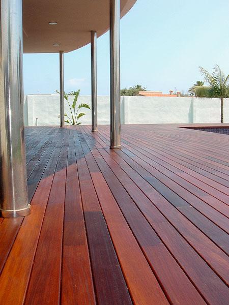 Terraza con tarima exterior Benicassim