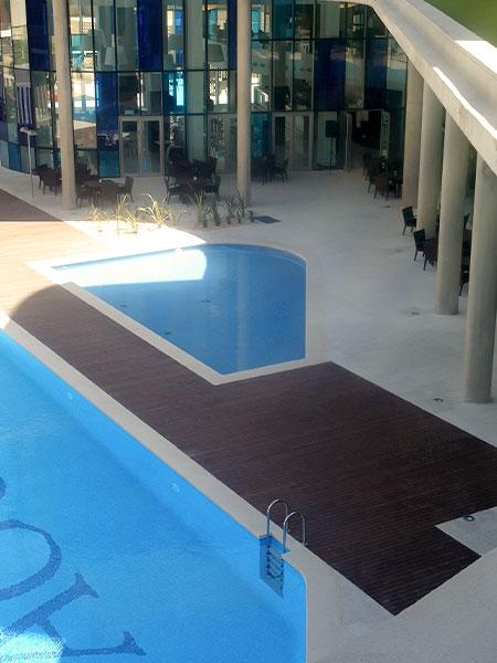 Tarima exterior para piscinas Castellón